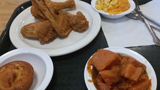 Hillside, IL : Fried chicken at its best.