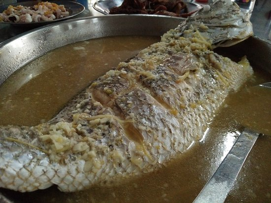 Butterworth, Maleisië: steamed red snapper