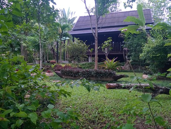 Mae Nai Gardens: Gardens and another villa