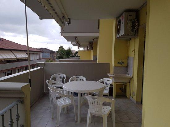 La terrazza dove mangiare in tranquillità - Picture of Costa ...