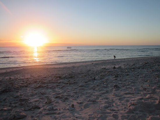 Lady Elliot Island, Australia: Sunset at the lighthouse beach