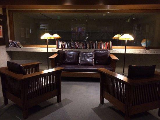 โอกแลนด์, แคลิฟอร์เนีย: Lounge Area in History Gallery