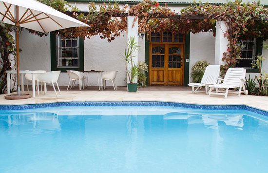 Robertson, South Africa: Solar heated swimming pool, for extended swimming time