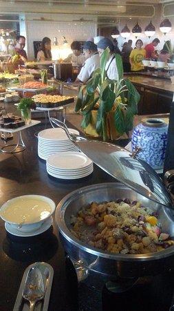 Eastern & Oriental Hotel: Delicious buffet