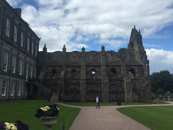 Holyrood Abbey: View from Outside