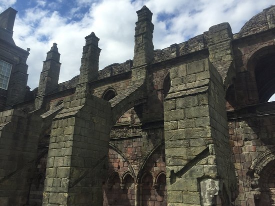 Holyrood Abbey: Magnificent Architecture