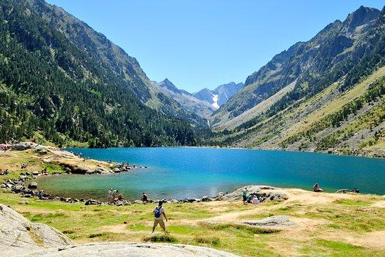 Belle vue ensoleill e photo de lac de gaube cauterets - Lac de gaube ...
