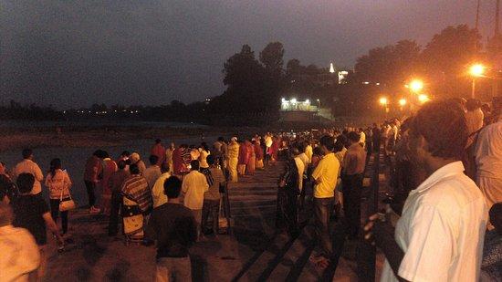 Ganga Aarti at Triveni Ghat : IMG_20140927_183144_large.jpg
