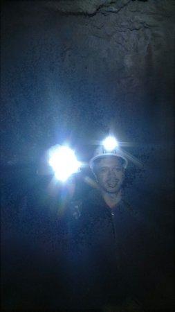 Waitomo Caves, New Zealand: Dark cave