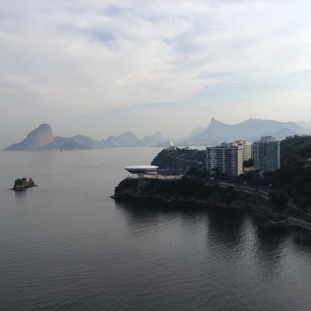 H Niteroi Hotel: Taken from rooftop pool