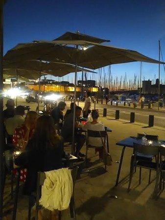 Les grandes tables de la cri e marseille - Les grandes tables de la friche ...