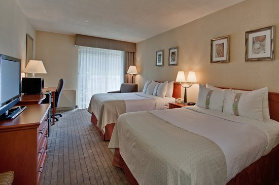 Holiday Inn Barrie Hotel & Conference Centre: Guest Room