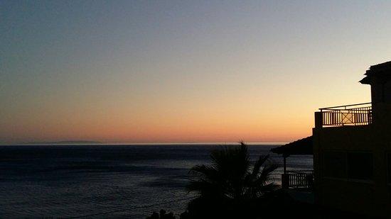 Horizon Beach Hotel: Frühstücksterasse und Ausblick v Balkon!