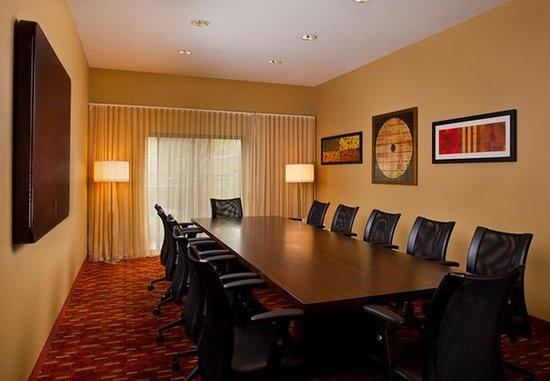 Metairie, LA: Boardroom