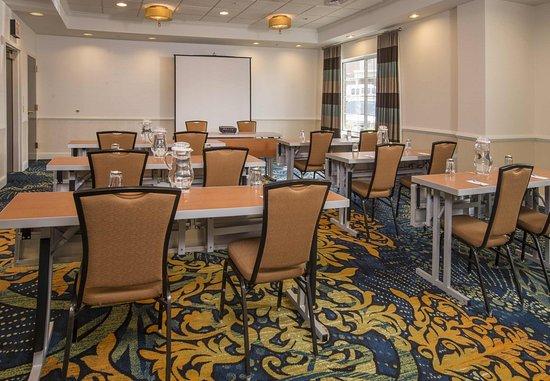 State College, PA: Meeting Room – Classroom Setup