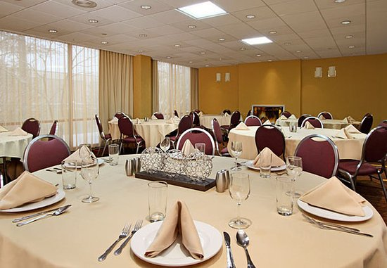 Lyndhurst, Nueva Jersey: Meadows Room
