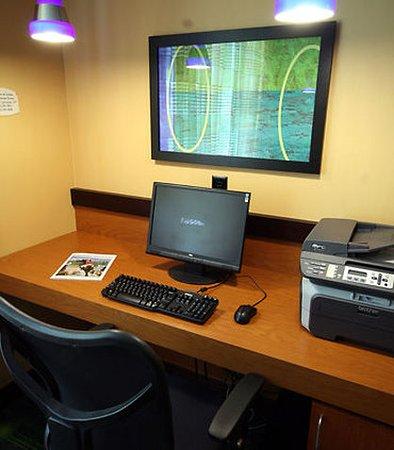 White River Junction, VT: Business Center