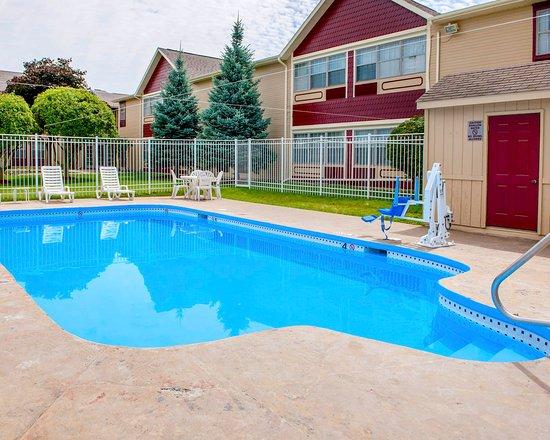 Auburn, IN: Pool