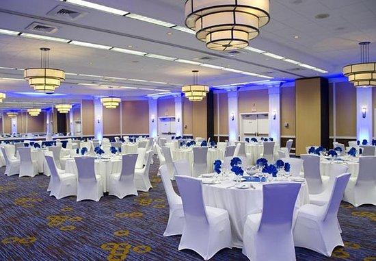 Waterbury, CT: Ballroom – Social Event Setup