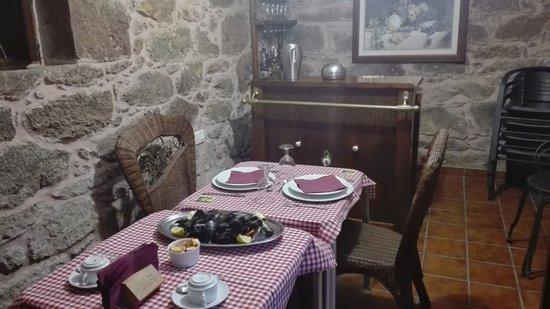Bértoa, España: cena privada, en mini-salón, en el jardín del hotel!