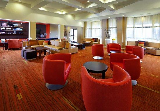 Altoona, PA: Lobby Lounge