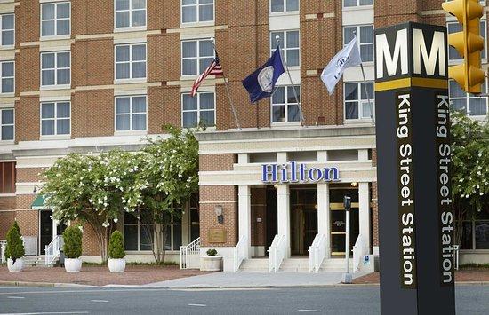 Hilton Alexandria Old Town: Metro