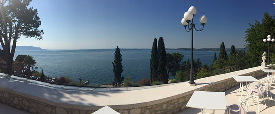Hotel Villa Florida: Panoramic view from the breakfast area