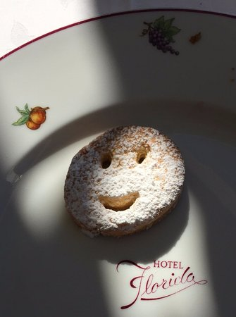 Hotel Villa Florida: Smiling breakfast cookie