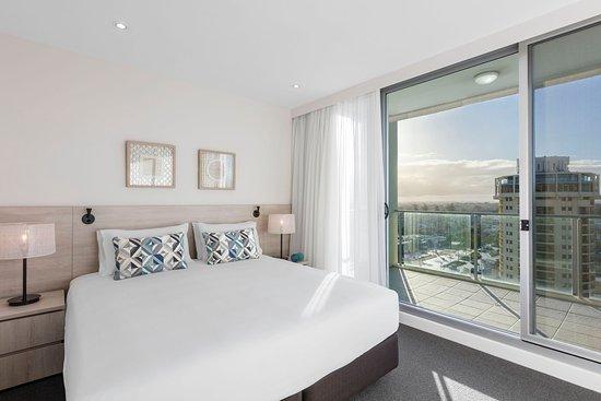 Glenelg, Australia: Oaks Liberty Towers 1 Bedroom Refurb