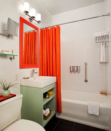 Hotel Carlton, a Joie de Vivre hotel: Accessible Bathrooms