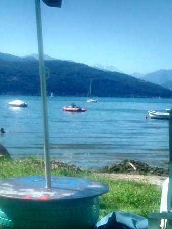 Ispra, อิตาลี: Vista lago dalle sdraio
