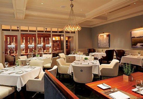 New Castle, Нью-Гэмпшир: SALT Kitchen & Bar - Dining Area