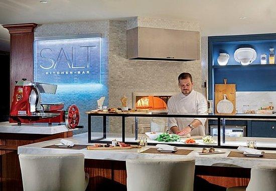 New Castle, Нью-Гэмпшир: SALT Kitchen & Bar - Chef's Bar