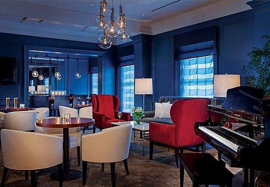 New Castle, NH: SALT Kitchen & Bar – Lounge Area