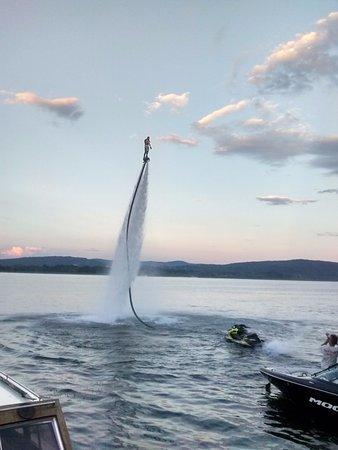 Ispra, อิตาลี: Esibizione di fly-board