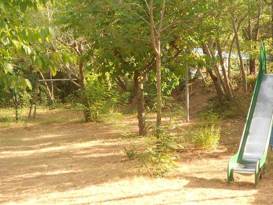 """Domaine Residentiel """"Eucalyptus Park"""" : parc de jeu"""