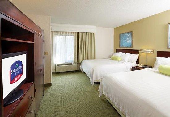 SpringHill Suites Des Moines West: Queen/Queen Suite