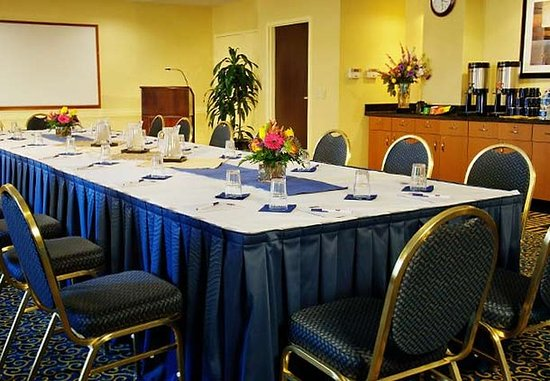 SpringHill Suites Dulles Airport: Meeting Room
