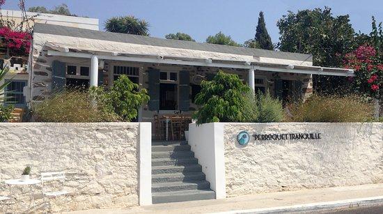 Poseidonia, Hellas: Perroquet Tranquille French Mediterranean bistro