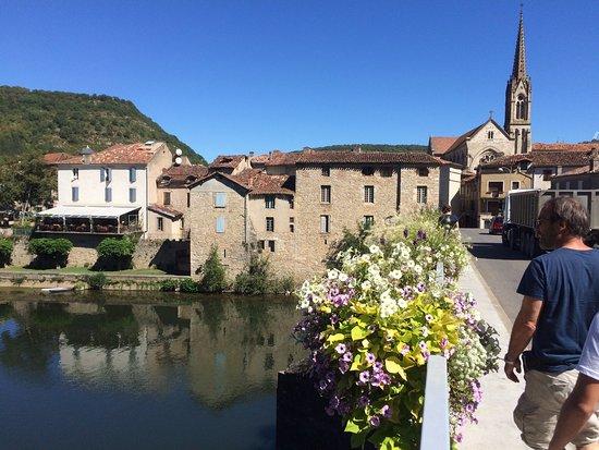 Saint-Antonin Noble Val, Fransa: le pont de St Antonin