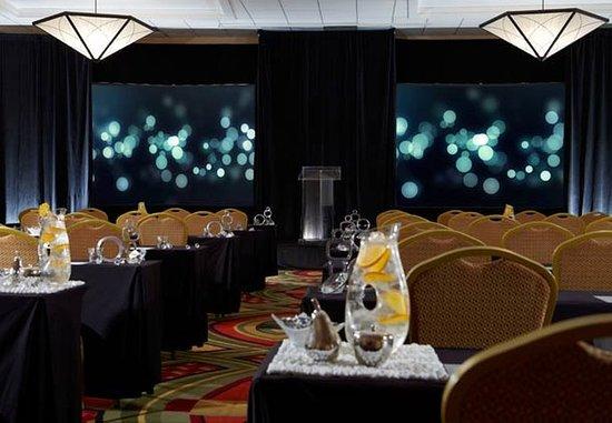 Berkeley, Missouri: Concourse Ballroom