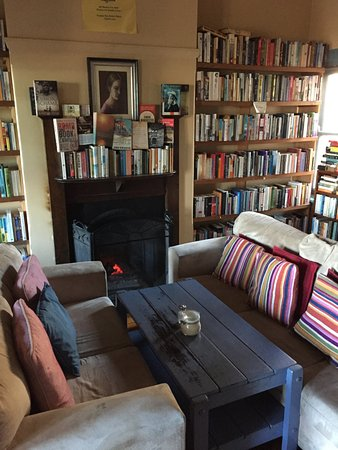 Wentworth Falls, Australien: Upstairs reading area