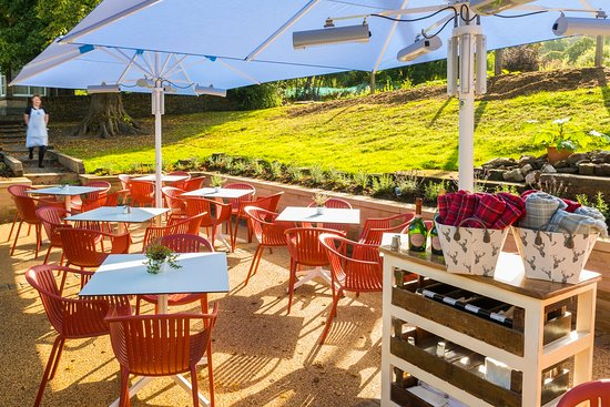 Beeley, UK: Our heated patio dining area