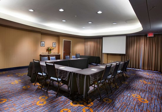 Fayetteville, AR : Meeting Room A