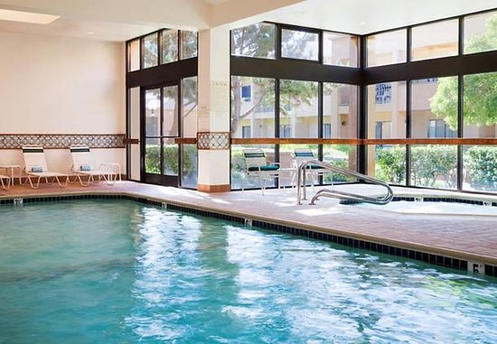 San Bruno, Californië: Indoor Pool