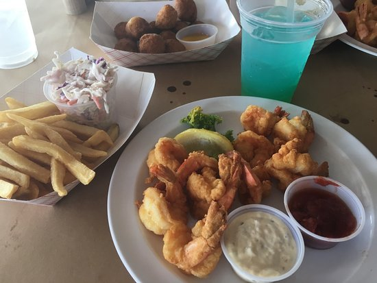Dumfries, Wirginia: Shrimp lightly breaded - PERFECTION!