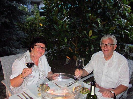 Villa San Carlo Hotel: Candle light dinner im Garten Villa San Carlo