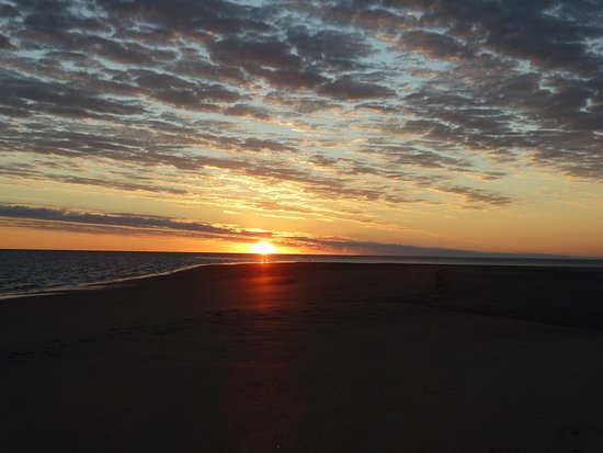 Karumba, Australia: Sunset from the sand island in the Gulf of Carpentaria