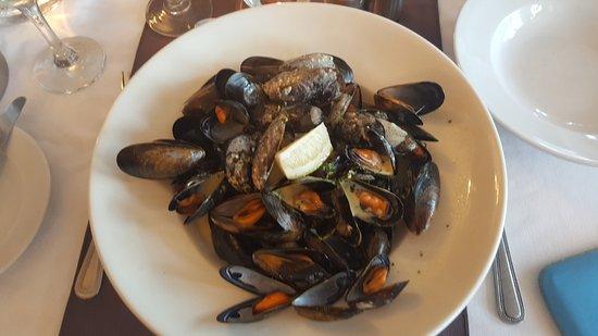 Leenane, Irland: Mussels with garlic