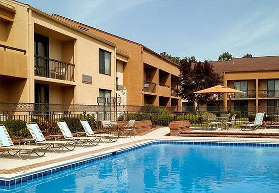 Augusta, GA: Outdoor Pool